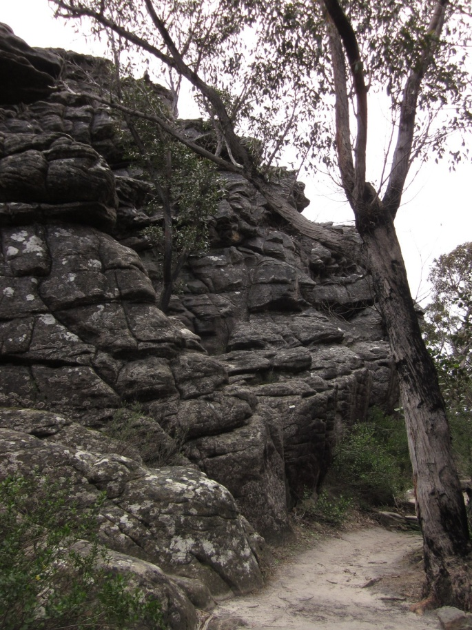 Rock formations along the track (Photo copyright: Anne Lawson, 2013)