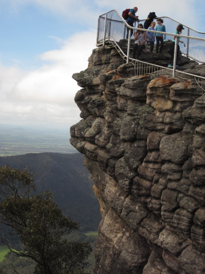 The Pinnacle lookout (Photo copyright: Anne Lawson, 2013)